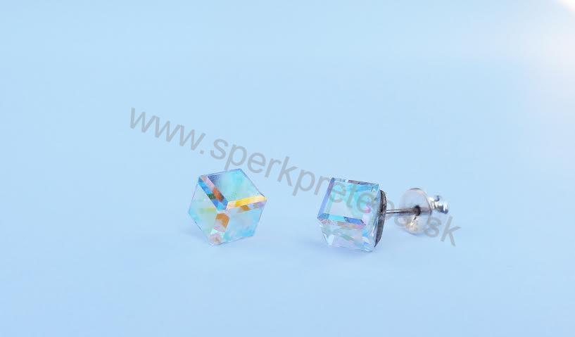 Swarovski napichovacie náušnice kocka dúhovej farby Crystal AB 6adbfac23a5